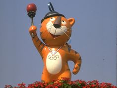Relive the moments that went down in history from the Seoul 1988 Summer Olympics. Access official videos, results, sport and athlete records. Olympic Mascots, Olympic Games, Salt Lake City, Mascot Design, Summer Winter, Summer Olympics, Seoul, Photo Galleries, Photos