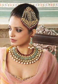 Ruby, mint, anitque, pearls and blush pink...Absolutely Gorgeous #ruby #paasa #pink #wedmegood