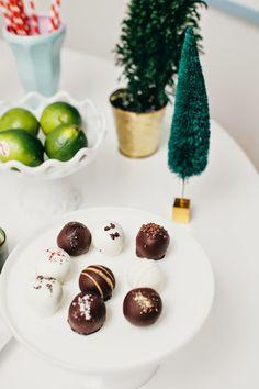 Devon Rachel: Holiday Entertaining Made Easy: A Simple & Chic Soiree | by @DevonRachel1 featuring @sharisberries cake truffles