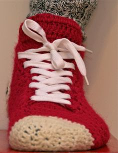 [Free Pattern+Video Tutorial] Super Fun And Super Easy Crochet Converse Slippers For Women, Men & Teenagers - Page 2 of 3 - Knit And Crochet Daily