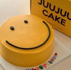 Pretty Birthday Cakes, Pretty Cakes, Cute Cakes, Cute Food, Yummy Food, Korean Cake, Gateaux Cake, Think Food, Cute Desserts
