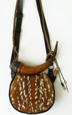 Contemporary Makers: Calvin Tanner Hunting Pouch with Mike Small Powder Horn Shooting Bags, Longhunter, Powder Horn, Fur Trade, Mountain Man, Leather Pouch, Native American Indians, Leather Working, Leather Craft