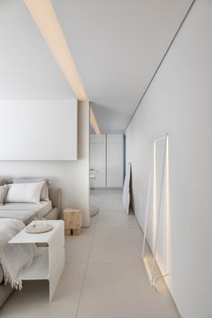 Image 9 of 38 from gallery of Container House / Marilia Pellegrini Arquitetura. Photograph by Ruy Teixeira Interior Simple, Loft Interior Design, Room Interior, Decoration Ikea, Cosy Home, Glazed Walls, Bamboo Design, Loft Interiors, Architecture Magazines