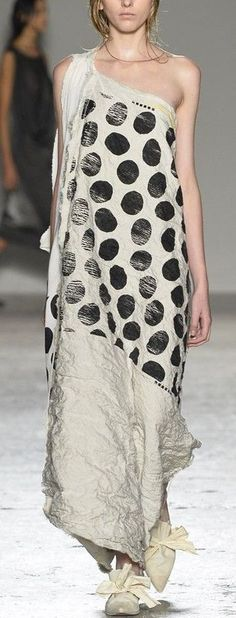 asymmetrical one shoulder black white large polka dot maxi dress | crinkled & shredded fabric manipulation | Uma Wang 2015 | nymag