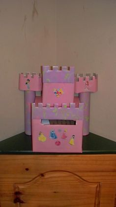 Princess castle Valentine day box- Josie's first V-Day box <3