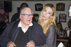 Το πάρτι της Μιμής Ντενίση για την επιτυχία της παράστασης «Σμύρνη μου αγαπημένη» | Γόβα Στιλέτο