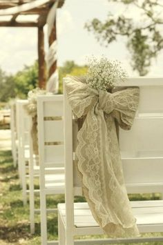 DIY Baby's Breath, Burlap & Lace Wedding Ideas | Confetti Daydreams