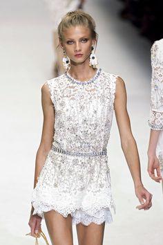 Dolce & Gabbana at Milan Spring 2011 (Detail) - Stylebistro