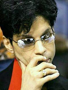 77c73e310d77f4b4ac70dad0e0e00293--the-purple-prince-charming.jpg