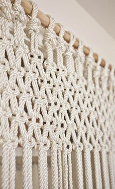 Most up-to-date Photo Macrame Curtain doorway Popular DIY macrame curtain (or could do slightly differently as wall hanging) Macrame Projects, Craft Projects, Craft Ideas, Macrame Curtain, Diy Curtains, Curtains Living, Sheer Curtains, Layered Curtains, Purple Curtains