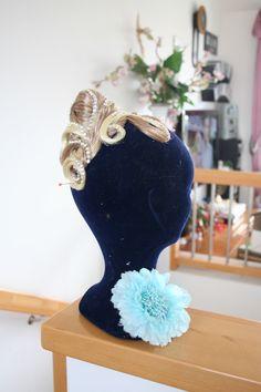 schmück dein Haar mit Ines Lang Design Dance Hairstyles, Egg Chair, Design, Home Decor, Jewlery, Homemade Home Decor, Design Comics, Decoration Home