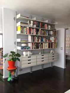 "Vitsoe shelving 606 shelving system. ""I've always wanted it, and now I have it. I rule."" -Kevin Spacey, American Beauty"