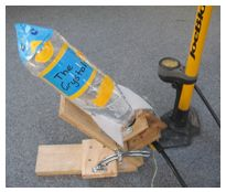 In this activity, students make a water bottle rocket. They investigate the variables that affect the height and distance travelled by the rocket. Science Week, Science Activities For Kids, Teaching Science, Science Ideas, Stem Activities, Stem Projects For Kids, Science Fair Projects, Algebra Games, Milk Science Experiment