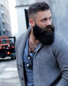 25 Best Long Beard Styles That Popular Nowadays – coiffures et barbe hommes Thick Beard, Bald With Beard, Full Beard, Beard And Mustache Styles, Beard No Mustache, Long Beard Styles, Hair And Beard Styles, Great Beards, Awesome Beards