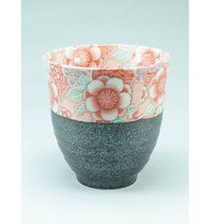 Black tea cup with flowers Hana Yuuzen