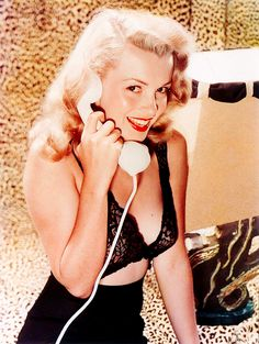 Norma Jean/Marilyn Monroe, photo by laszlo willinger Marylin Monroe, Fotos Marilyn Monroe, Marilyn Monroe Poster, Divas, Old Hollywood, Hollywood Glamour, Hollywood Stars, Classic Hollywood, Photo Star