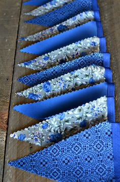 Very cool blue bunting