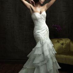 Que tal un hermoso vestido Sirena??? ya está listo para tu boda!! aqui los detalles: http://www.diquesinovias.info/allure-bridals-baracci $9,000