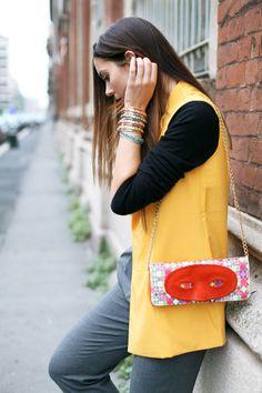 high waisted pants vest gilet an italian theory bag sodini bijoux streetstyle fashion blogger look strange bag unique bag www.ireneccloset.com