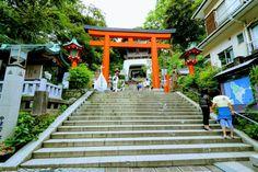 7 Things To Do In Enoshima – Shrines, Local Cuisine, Mt. Fuji Views | MATCHA - JAPAN TRAVEL WEB MAGAZINE Tokyo Things To Do, Web Magazine, Yokohama, Japan Travel, Fuji, Matcha, How To Introduce Yourself, Island, City