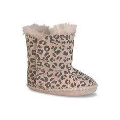 Have a little one with abit of a wild side? These Kids' Cassie Leopard CR UGG Boots are ideal for her! http://sneakerking.com/kidscassieleopardcr.aspx