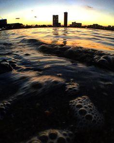 風邪でダウン この土日は寝て過ごしました    でも熱が下がったので 一回も外の空気を吸ってなかったので 夕方海いきました   で   撮りました  #撮りました  #カメラ #写真 #空 #夕日 #香椎浜海岸 #海 #海岸 #そら #そら部 #海岸 #砂浜 #波  #pictures #picture #camera #sky #beach #sea #seaside #cloud9 #olloclip #nature by fumi___takafuuumi