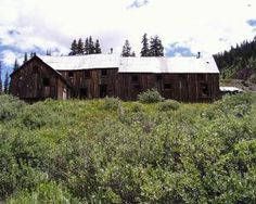 Summit - Colorado Ghost Town Ghost Towns In Colorado, Ghost Towns Of America, Old Cemeteries, Ghost Stories, Old West, Historical Sites, Abandoned Places, Barns, Empty