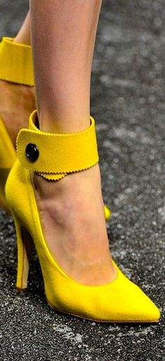 Yellow shoes~Yes yes yes!
