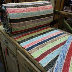 Look at those colors! Rag Rugs, Tear, Recycled Fabric, Vintage Fabrics, Rug Hooking, Woven Rug, Floor Rugs, Fiber Art, Rug Runner