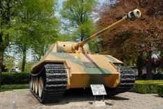 Panther Tank Breda - Poolse tank aan de Paul Windhausenweg