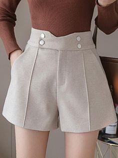 Stylish Dress Designs, Stylish Dresses, Como Fazer Short, High Waisted Shorts Outfit, Short Skirts, Short Dresses, Iranian Women Fashion, Knee Length Shorts, Cute Shorts