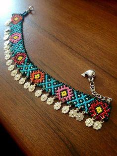 Bead Jewellery, Bead Earrings, Beaded Jewelry, Beaded Bracelets, Beaded Necklace Patterns, Beading Patterns, Beadwork Designs, Beaded Ornaments, Schmuck Design