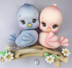 Fondant Figures Tutorial, Cake Topper Tutorial, Food Crafts, Diy And Crafts, Cute Girl Hd Wallpaper, Alcohol Ink Crafts, Fondant Animals, Clay Figurine, Bird Drawings