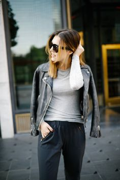 Style blogger Ashley Deatherage of Never Without Lipstick wears fall athleisure outfits | athleisure outfits, fall athleisure, athleisure, athleisure fashion, athleisure office, athleisure shoes, adidas campus sneaker, fall fashion, fall outfit ideas, brunette hair color