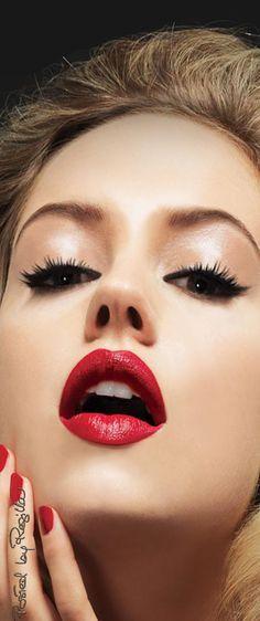 Makeup Girl Face Wallpapers Images Pictures Photos Make up Girl Face, Woman Face, Beauty Makeup, Eye Makeup, Makeup Geek, Makeup Lipstick, Kissable Lips, Beautiful Lips, Beautiful Women