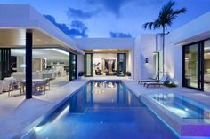 Home in Boca Raton by Brenner Architecture Group | HomeAdore