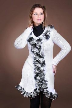 Receitas Círculo - Vestido Branco com Babado