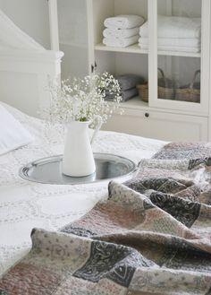 KNORKAN: Jordnära färger i sovrummet