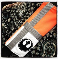 Original Star Wars Rebel Seat Belt Cover Velcro by ChicAndGeeks