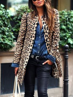 Take a look at 15 gorgeous leopard print outfits for fall and winter in the photos below and get ideas for your own outfits! An all-black outfit with a camel scarf and leopard-print boots. Leopard Print Outfits, Leopard Jacket, Leopard Print Coat, Animal Print Outfits, Leopard Scarf, Leather Trousers Outfit, Leopard Cardigan Outfit, Leopard Clothes, Leopard Fashion