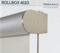 """Tenda a rullo per esterni Rollbox 4110 della collezione """"Futura"""" #Mottura. Il tessuto disponibile della collezione Hi-tex è """"G Screen"""". La tenda tecnica presenta guide laterali e componentistica in acciaio anticorrosione Aisi 316."""