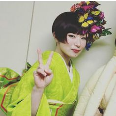 Shiina Ringo, Flower Headdress, Japan Woman, My Kind Of Woman, Crazy Girls, Barbie Dolls, Cool Girl, Asian Girl, Muse