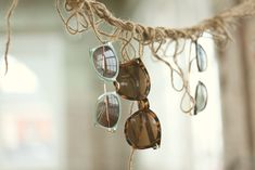 Acessories as Decor: Ways to Display Sunglasses http://blog.freepeople.com/2013/01/accessories-dcor-displaying-sunnies/