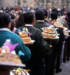 Anant a la dansada de les tortades de Sant Blai, a La Fatarella,  el cap de setmana següent al 3 de febrer. Foto: Salvador Palomar #setdimatge 6/02/2015. http://www.etnocat.org/festa/hivern/stblai/fatarella.html
