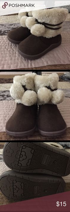 Furry Boots for infants Cute Furry boots for infants, new with tags graimals Shoes Boots