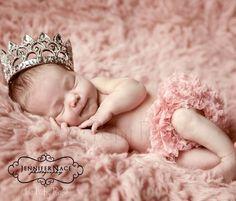 @Brandi Hathorn, i love this!! idea for newborn pic?