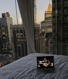 Night Aesthetic, City Aesthetic, Travel Aesthetic, Dubai, New York, Nyc Life, City That Never Sleeps, Window View, Dream Apartment