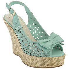 . Platform Flip Flops, Flip Flop Shoes, Sandals Outfit, Shoes Sandals, Tolu, Cute Shoes, Wedge Shoes, Ballet Flats, Casual Shoes