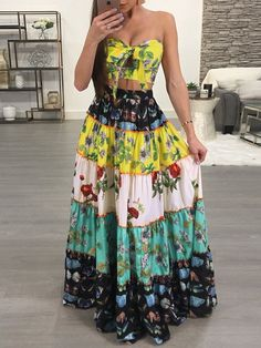 Shop Boho Floral Print Strapless Top & Maxi Skirts Set – Discover sexy women fashion at Boutiquefeel Two Piece Dress, The Dress, Boho Fashion, Fashion Dresses, Womens Fashion, Fashion Clothes, Birthday Dresses, Skirt Outfits, Skirt Set