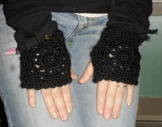 Texting Gloves   40 OFF SALE by Pepperbelle on Etsy, $18.00  See Winter's End Sale: https://www.etsy.com/your/shops/Pepperbelle/sections/12977185
